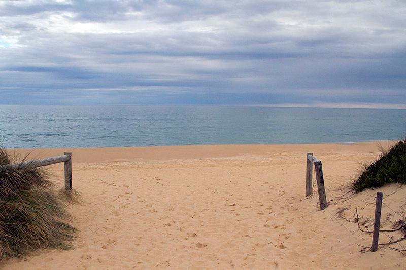 lakes entrance beach
