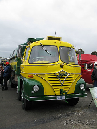 Sandown Historic Vehicle 28th Nov 2010 2010