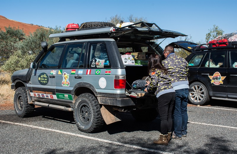 These folks are part of a large contingent of Chinese 4wd enthusiasts on a tour of Australia.