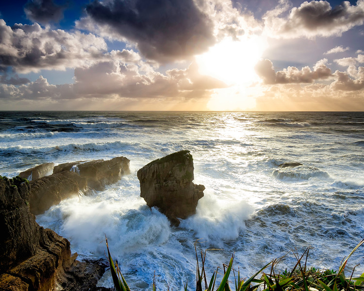 Strong wave action makes for a dramatic shoreline at Punakaiki