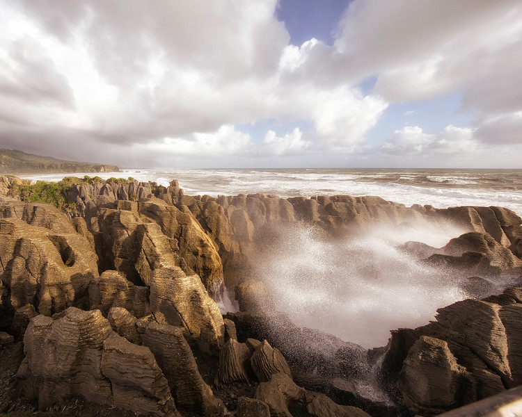 A dramatic blow hole along the coast at Punakaiki
