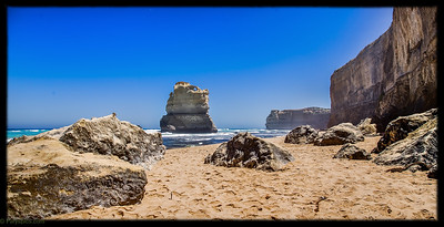 Awsome limestone formations jutting out of the ocean at Gibson steps, 12 apostles, Great Ocean Road
