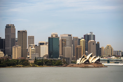 Skyline of Sydney downtown from Taronga hill