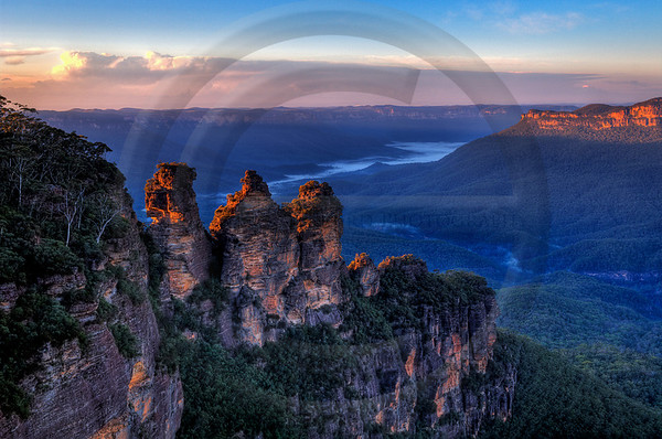 AULA2 Three Sisters Sunrise 1