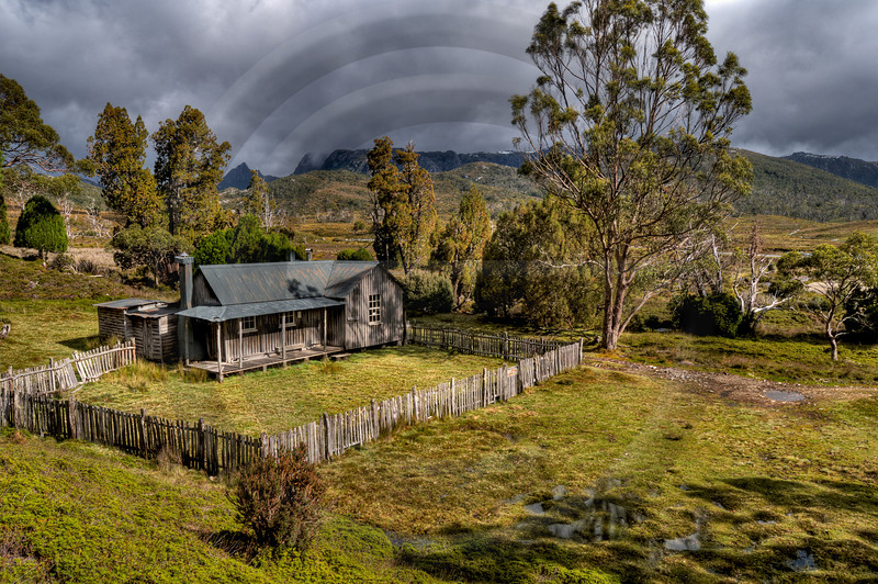 AULA0390 Mount Kate Hut 1