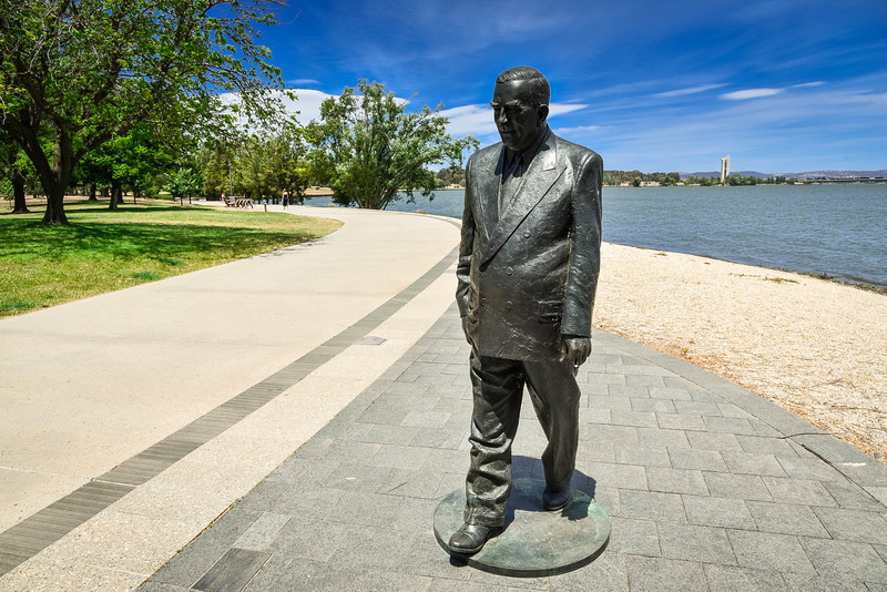 sir robert menzies statue canberra