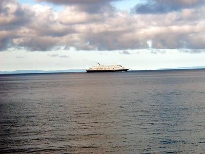 03  Holland American Ship
