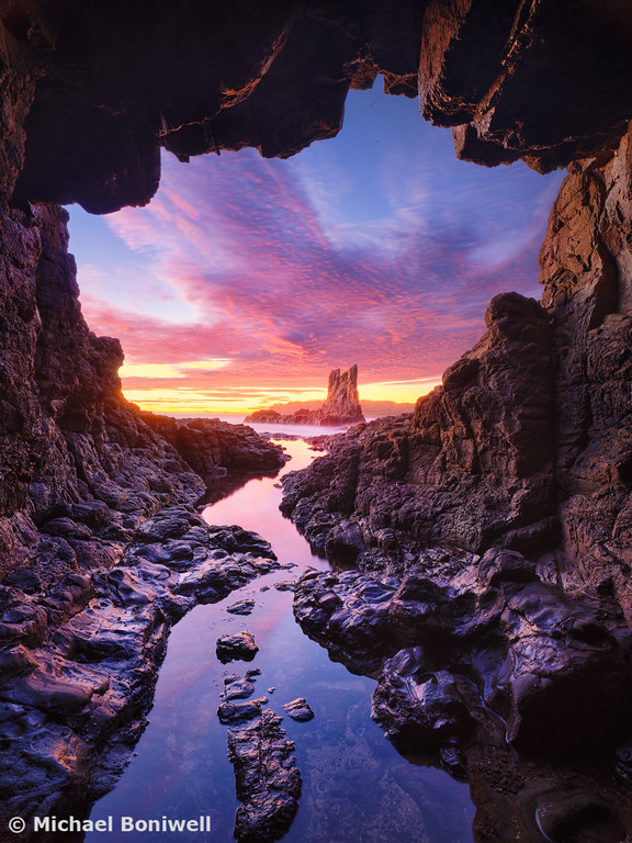 Sea Cave, Cathedral Rocks, Kiama, New South Wales, Australia
