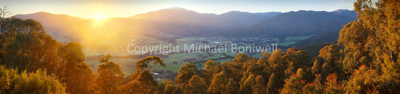 "Mt Beauty Township, Kiewa Valley, Victoria, Australia.  <a href=""mailto:michael.boniwell@gmail.com"">Email</a> to order a print or commercial use license."