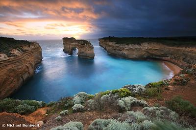 Island Arch, Great Ocean Road, Victoria, Australia.