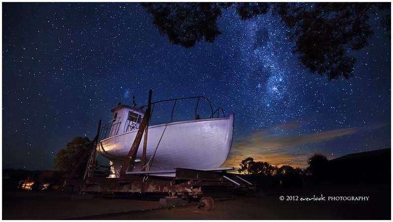 Grounded ship near Mannum
