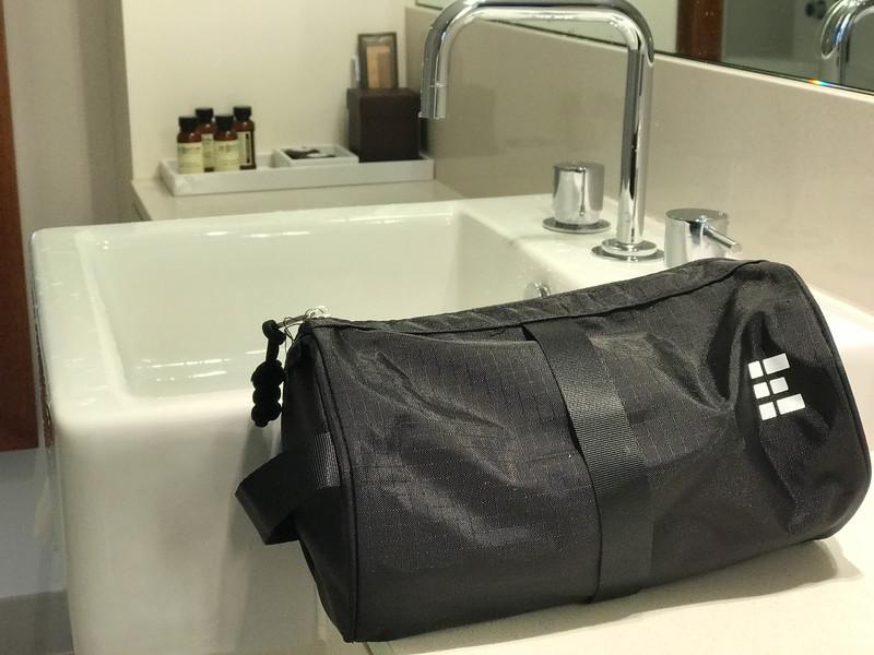 zero grid travel toiletry bag