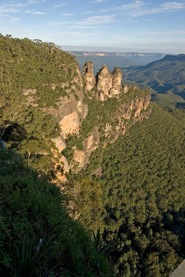 Three Sisters, Blue Mountains National Park - NSW, Australia