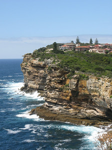 Cliffs behind Watsons Bay