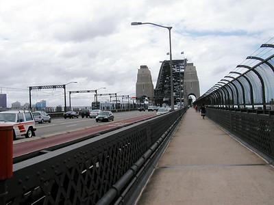 02   Sydney Bridge WALK