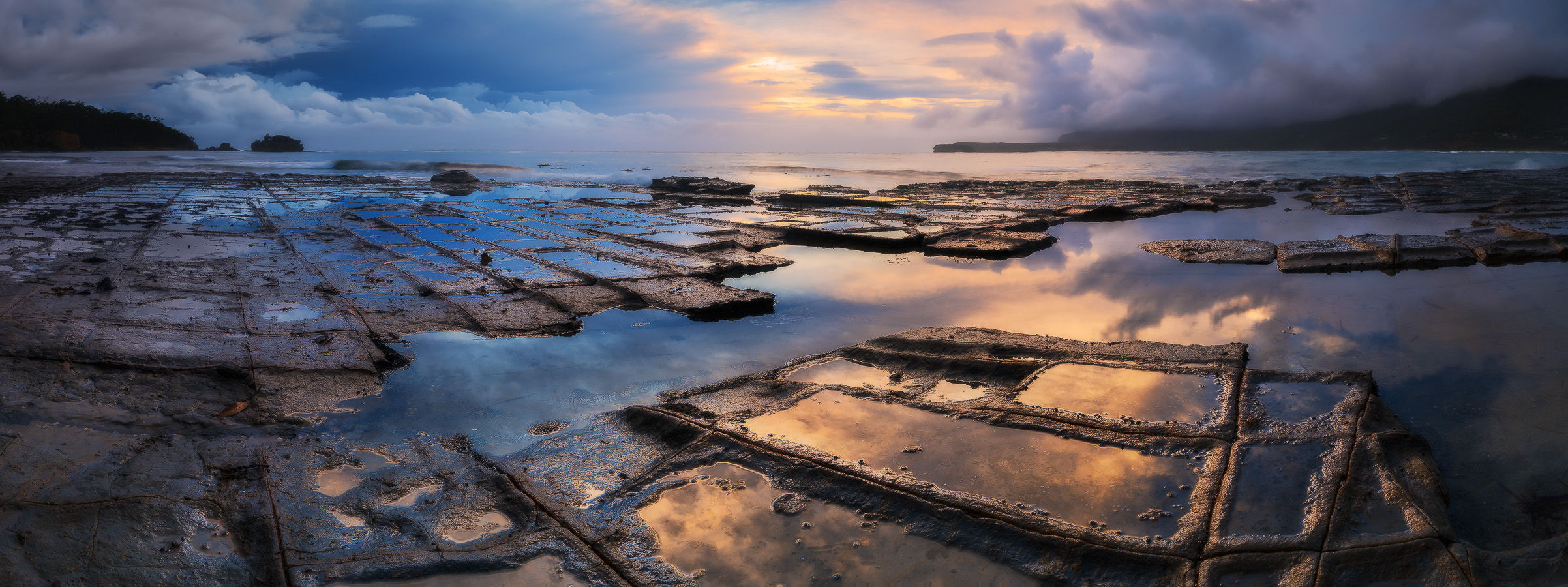 Tessellated Pavement as dawn cleared