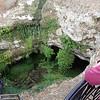 Collapsed cave at the middle of Mt Gambier, a home of a nice cave garden<br /> <br /> Mt Gambier közepén egy beszakadt barlangban ilyen függőkert nőtt ki