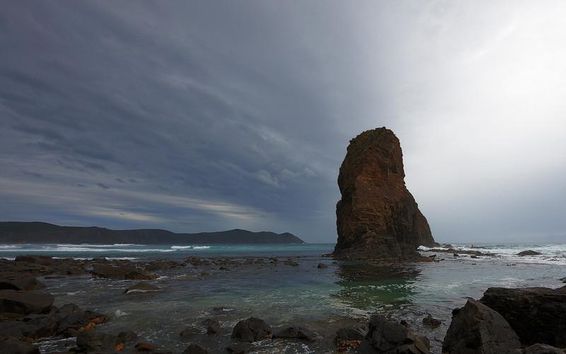 Lion Rock, Se Cape Bay
