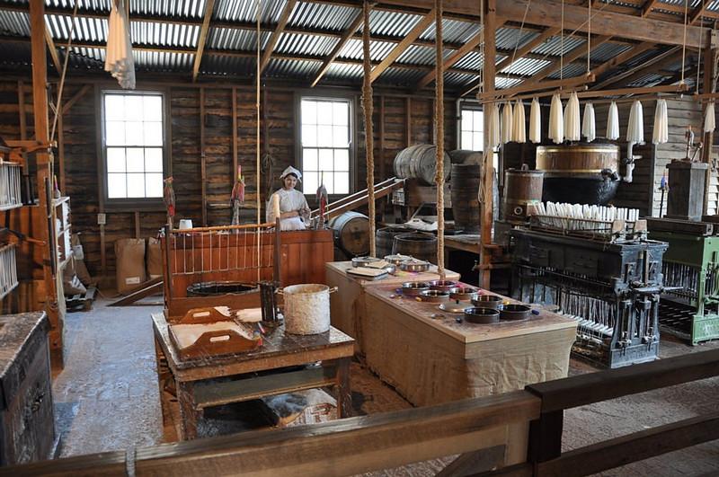Candle factory<br /> <br /> Gyertyaöntő műhely