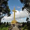 Mount Macedon Memorial Cross (to commemorate those who died in World Wars)<br /> <br /> Keresztfa a Macedon hegyen (emlékmű mindazok számára akik a világháborúkban meghaltak)