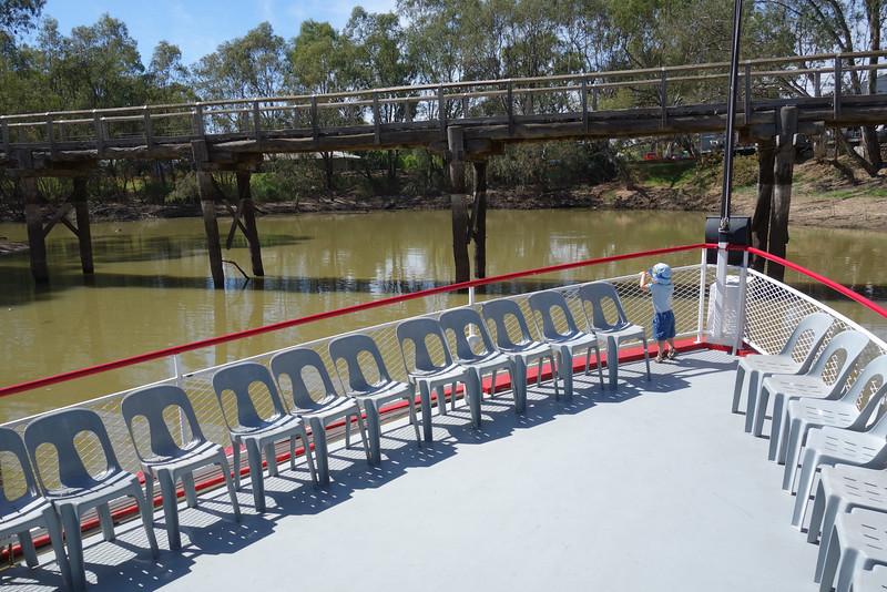 River cruise on a paddle steamer boat - Murray River<br /> <br /> Sétahajózás egy lapátkerekes gőzhajón - Murray folyó