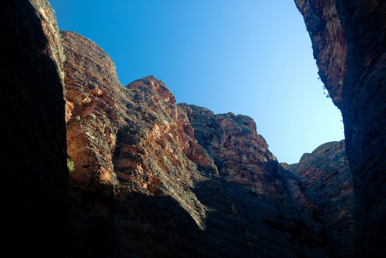 Looking-Up-Domes-Purnululu-National-Park-Western-Australia