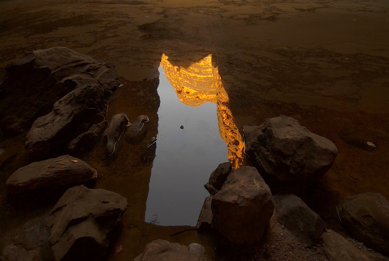 Cathederal-Gorge-Reflection-Purnululu-National-Park-Western-Australia