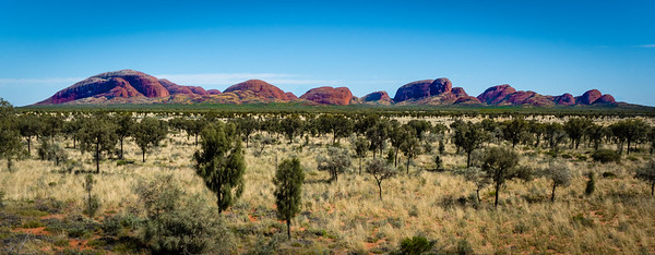 "Kata Tjuta ""many heads"""