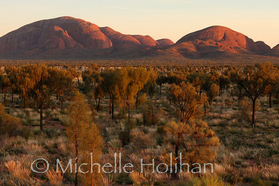 Kata-tjuta at surise