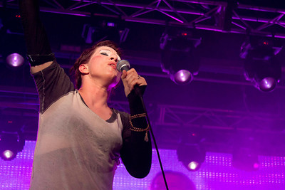 """Violent Femmes Supergroup. Amanda Palmer as Gordon Gano on """"Please Do Not Go."""" She seemed to lose herself for a few repetitions of the chorus here, eyes closed, emotion on her face, before she snapped back a little and commanded the crowd to get involved."""