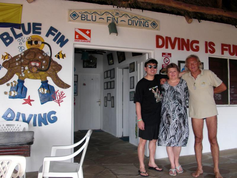 Kevin, Christiane & Lorenzo arrive for nudibranking<br /> Blue Fin Diving, Malindi, Kenya