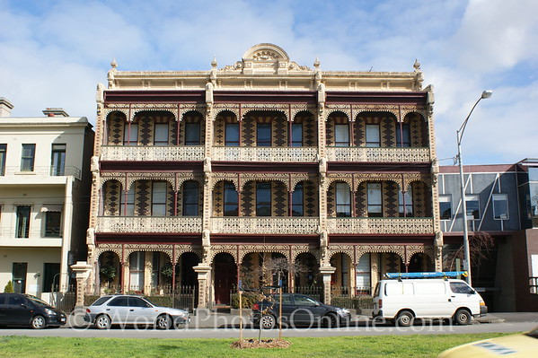 Melbourne - Victorian Apartments in Little Italy