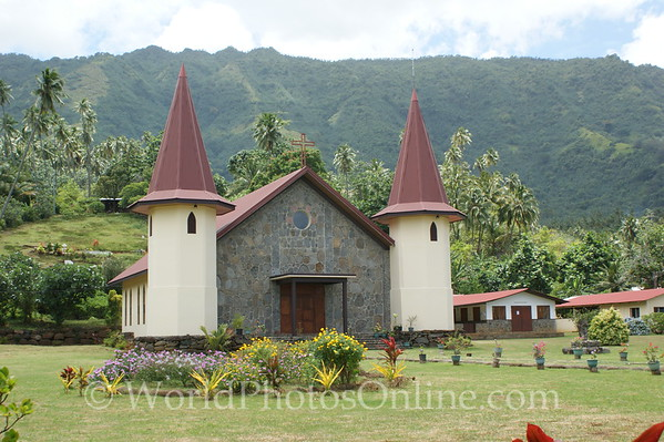 Marquesas - Nuku Hiva - Hatiheu - Catholic Church