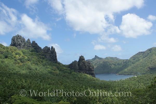 Marquesas - Nuku Hiva - Hatiheu - View of Hatiheu 2
