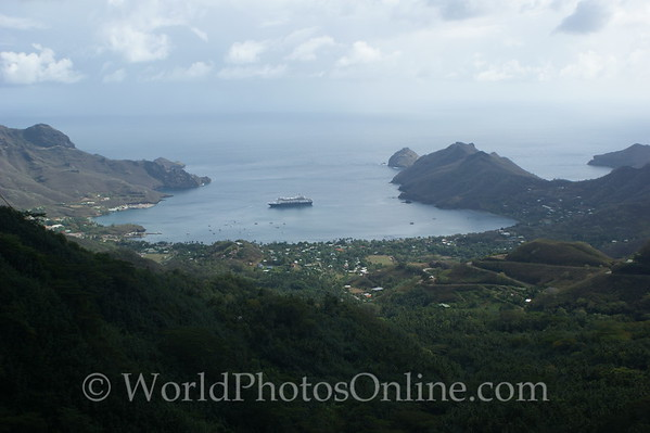 Marquesas - Nuku Hiva -Taiohae Bay