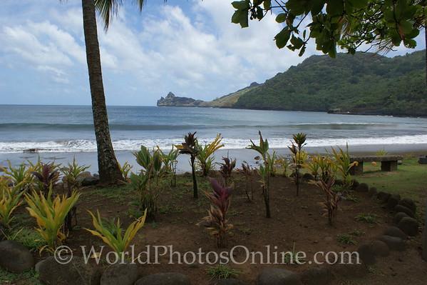 Marquesas - Nuku Hiva - Hatiheu - View of Hatiheu Bay