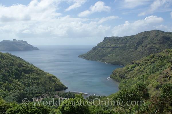 Marquesas - Nuku Hiva - Controleur Bay