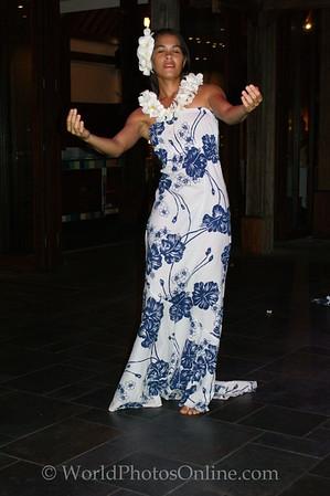 Moorea - Sofitel Resort - Polynesian Dance 3