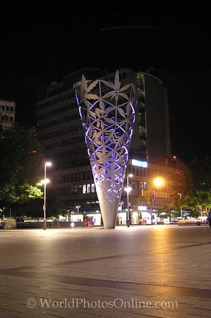Christchurch - Cathedral Square Sculpture S