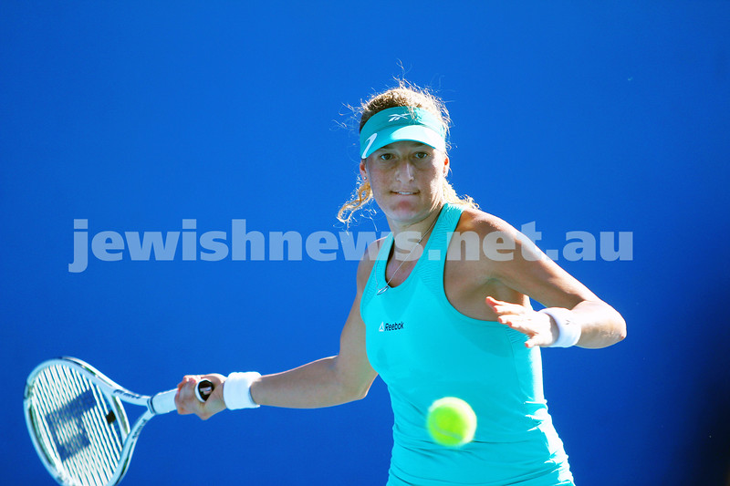 13-1-14. Australian Open. Round 1. Shahar Peer (ISR) lost to Monica Niculescu (ROU) 4-6 1-6. Photo: Peter Haskin