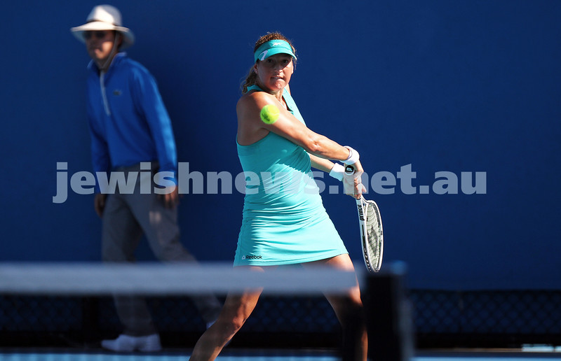 13-1-14. Australian Open.Womens Singles Round 1. Day 1. Shahar Peer (ISR) lost to Monica Niculescu (ROU) 4-6 1-6.  Photo: Peter Haskin