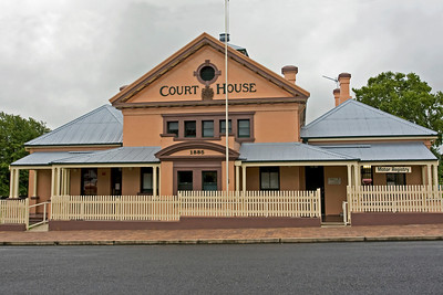 Tenterfield Court House