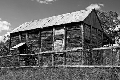 We passed this old slab hut on the Carnarvon National Park Road on the way in to Mt Moffatt.  April 2010