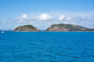 View of the coastline on our trip from Rosslyn Bay to Great Keppel Island  September 2008