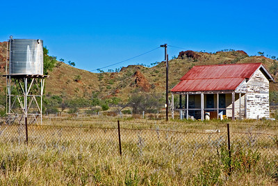 This is the old police watchhouse at Duchess, Western Queensland.  The police station was burnt to the ground.  26 May 2010