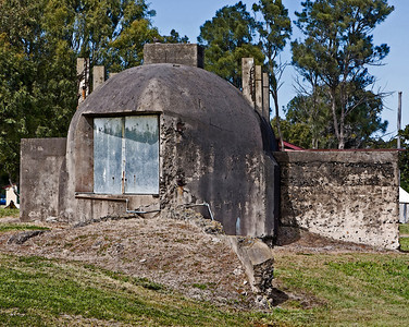 Built in 1903 - searchlight position at Fort Lytton. It doesn't look very homely does it !!!  July 2009