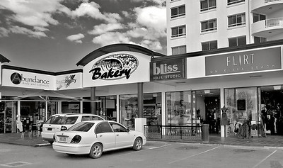 Tuesday 6 May 2009 - My eldest daughter lives at Kirra Beach - I marvelled at how things have changed over the years - names of shops such as Bliss, Flirt, Abundance.