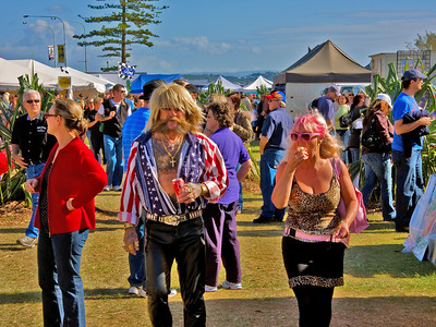 Saturday 7 June 2008 - Jacinda and I went down to the Wintersun Festival at Coolangatta - lovely warm winter's day.