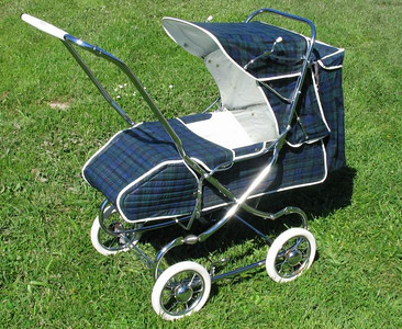 "Restored 1969 Steelcraft Regal pram in the colour ""Black Watch Tartan""  This is a re-badged version of the Steelcraft Regal pram sold exclusively  through the 'London Baby Carriages' chain of stores."