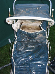 This 1972 Cyclops Boulevard pram has all the covers and pieces with it, making it an excellent base for a great restoration.